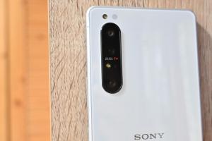 「索粉」和 Xperia 1 II 助功!Sony 手機銷量 5 年來首次回穩