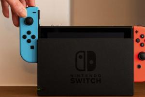 任天堂太威猛!發售超過 3 年 Switch 主機、遊戲銷量仍可擊敗 PS5