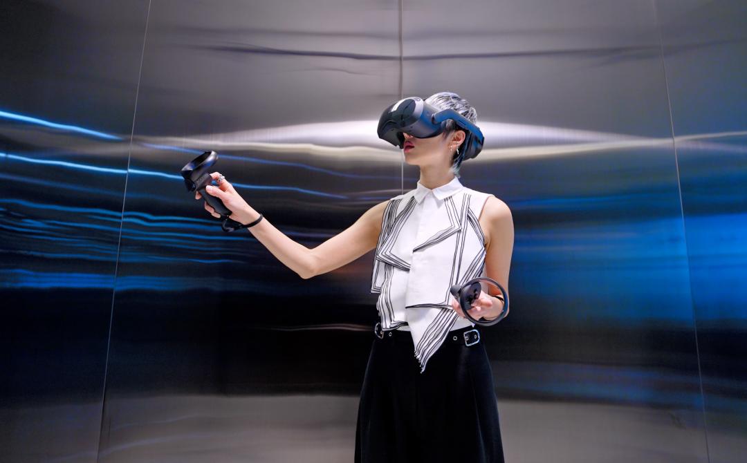 HTC 公佈新款 VR 頭戴!主打高階、商業用戶客群