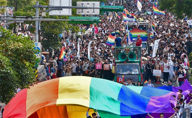 亞洲第一!外媒盛讚台灣推同婚草案