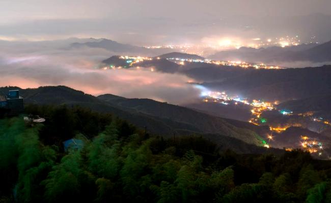 鹿谷春季氣象萬千 大崙山雲瀑透琉璃光
