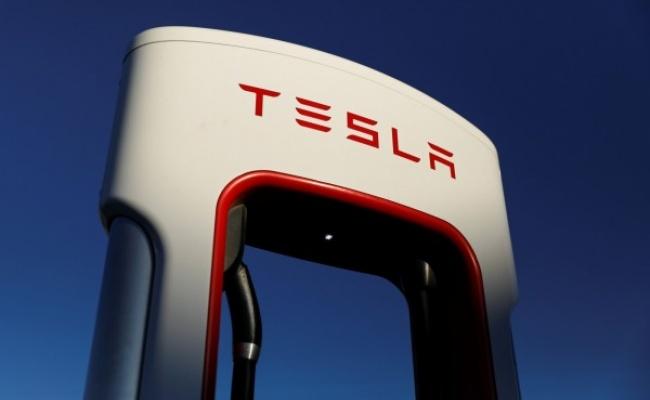 特斯拉宣佈價格調整 這款車降價逾6萬