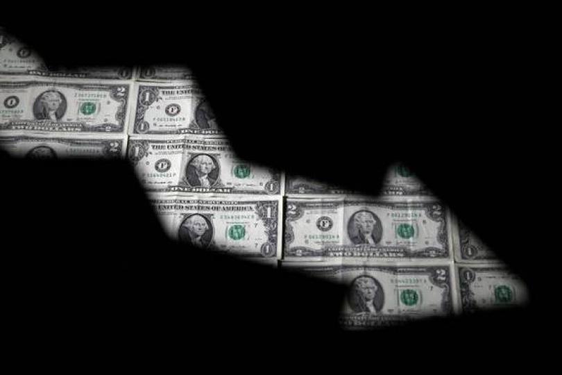 渣打專家:美元明年底前暴跌35%