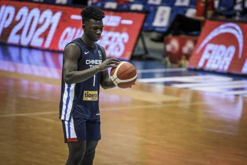 「新台灣人」超狂補扣 成FIBA五大好球榜首