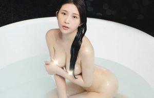 雞排妹脫了!全裸入浴照曝光