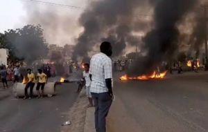 才爆政變未遂 蘇丹再傳軍事政變軟禁總理