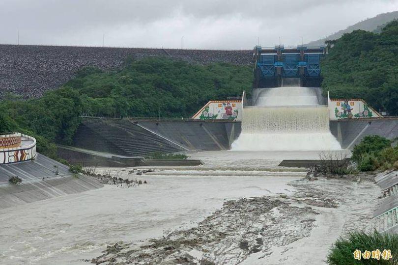 屏南山區雨勢不斷 牡丹水庫洩洪
