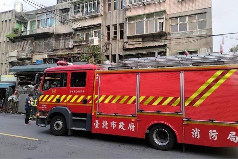 南港傳瓦斯外洩 消防車衝現場…是榴槤