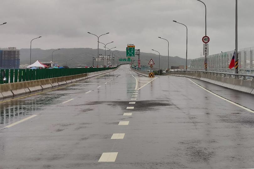 淡江大橋八里端聯絡道 今晚10點通車