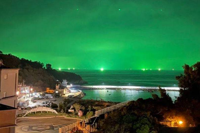 馬祖綠色夜空 外媒:另一種魷魚遊戲