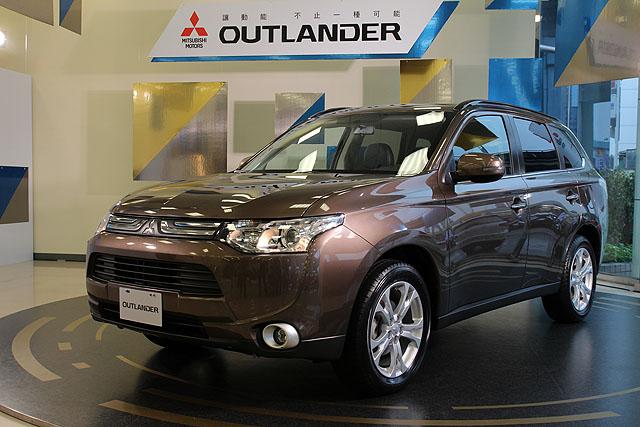 Mitsubishi OUTLANDER  2.4 4WD經典型
