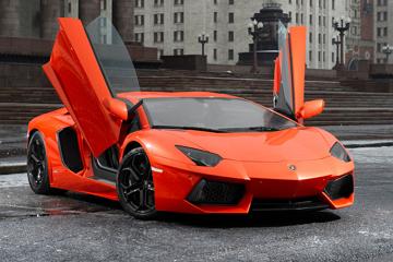 終極性能大牛!Lamborghini Aventador SV 偽裝車現蹤
