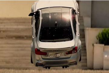 BMW再戰不可能的任務!  M3、S 1000 RR 同場狂飆