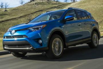 Toyota RAV4 Hybrid / 小改款  紐約連袂登場