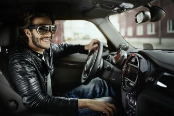 BMW 推出X光智慧型眼鏡  一眼就能掌控全局!