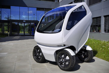 為壅塞都市而生!  可變形且橫向駕駛的智慧電動車 EO 2