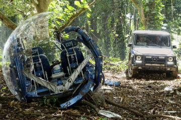 再度迎戰史前巨獸! Mercedes-Benz 釋出侏羅紀公園片場照片