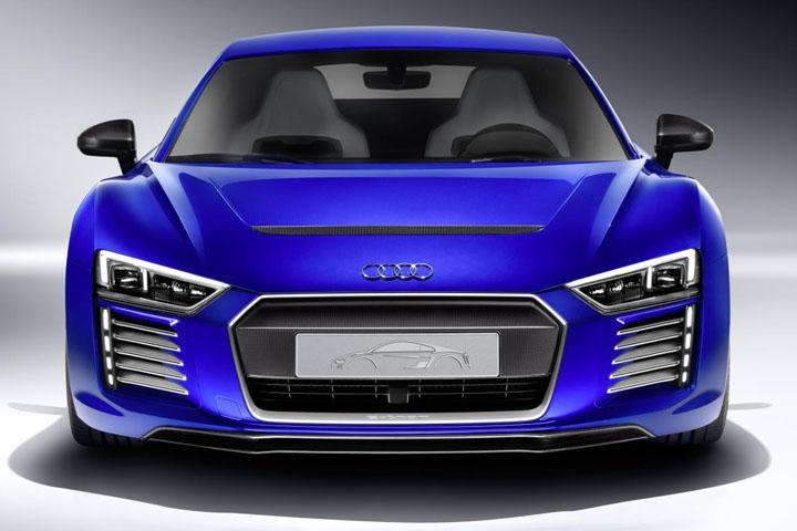 純電續航 450 公里!Audi R8 e-tron 自動駕駛概念車亮相