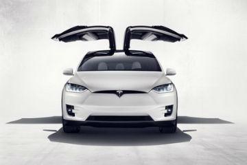 首部電動 SUV 出閘!  Tesla Model X 正式發表