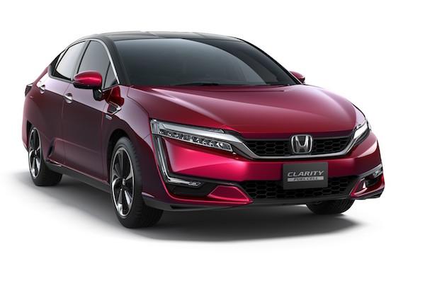Honda CLARITY 氫氣車可跑 700 公里   與 Toyota Mirai 較勁