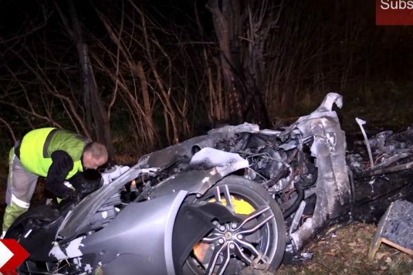 Ferrari FF 時速逾 200 Km 失控!  車禍爆炸乘客身亡
