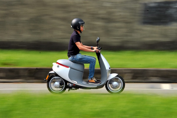 Gogoro 車主北宜摔車  如何騎車才最安全?