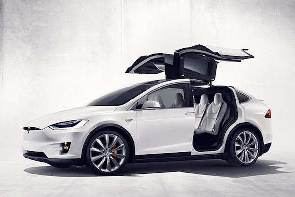 Tesla Model X 休旅車售價公佈! 262 萬台幣起跳!
