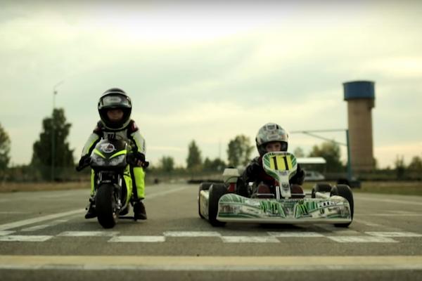 真男人的對決! 2 歲  V.S. 4 歲小男孩的賽車場 PK(內有競速影片)