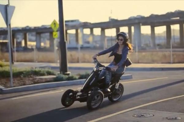 適合市區的電動三輪車,車身好搖擺(內有影音)