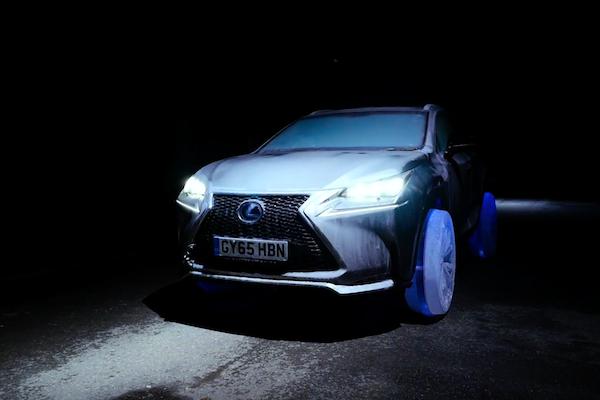 冬天專用! Lexus NX 換胎居然用冰塊輪胎!(內有影音)
