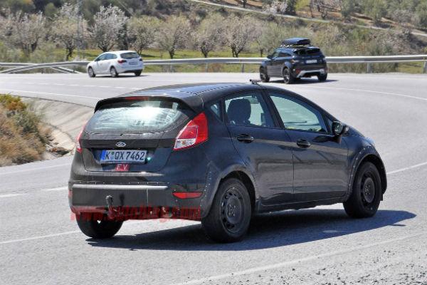 250 匹馬力的小鋼砲魅力! Ford Fiesta RS 明年見!