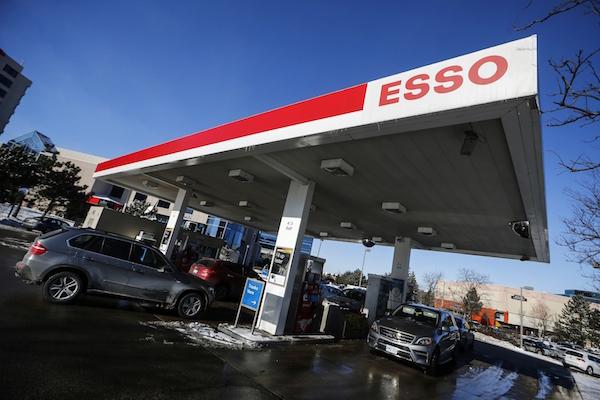 油價崩盤  下週 95 油價有機會創 12 年來新低
