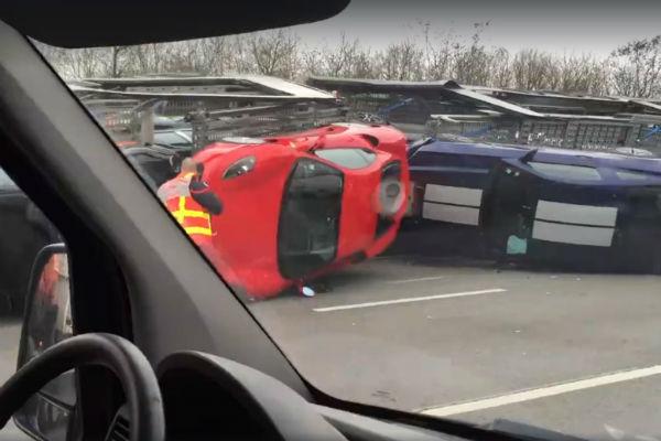 這卡車一翻掉...9 輛進口超跑  恐怕賠到脫褲也賠不完!