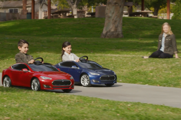 爸媽準備破財!  Tesla Model S 兒童電動車開賣(內有影片)