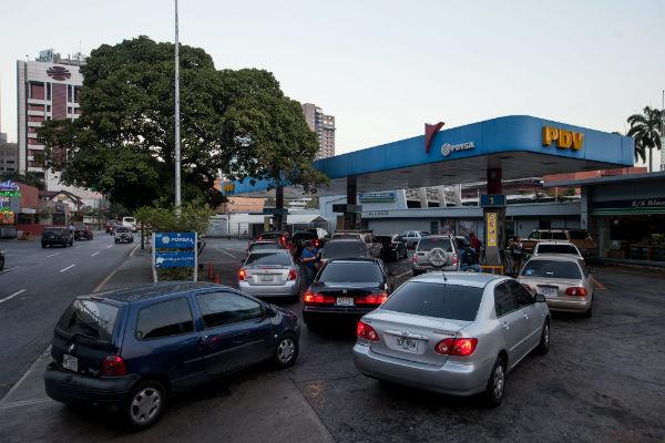 這個國家加滿 50 公升汽油 比你的超商便當還便宜