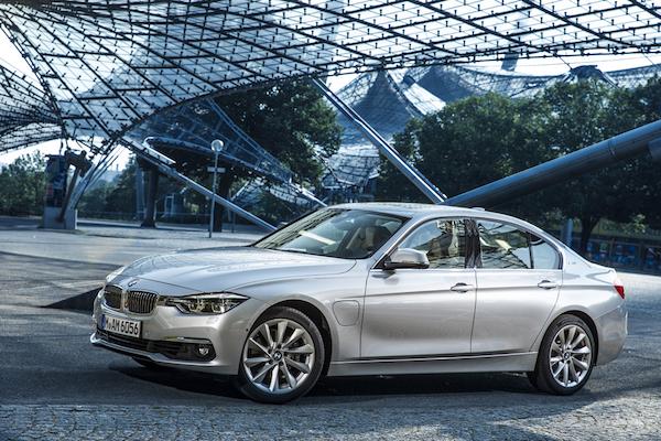 BMW 330e 插電油電車 省油功力比馬力還搶眼