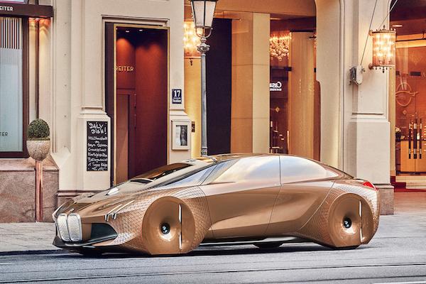 就是要高調!BMW 金色概念車完全是驚人的設計!(有影片)