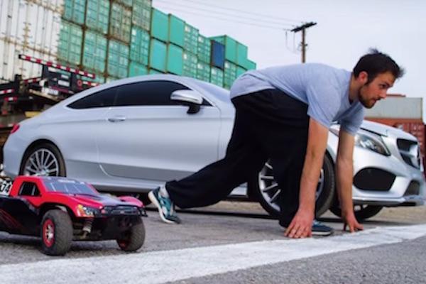 Mercedes-Benz C-Class Coupe 與「他」的 PK   勝負關鍵不是馬力而是...(內有影片)