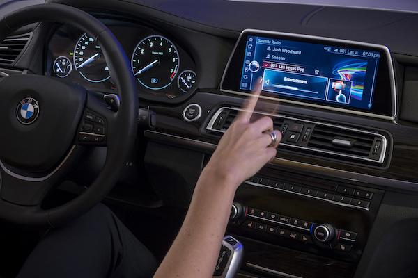BMW iDrive 新功能  會讓乘客不想下車?