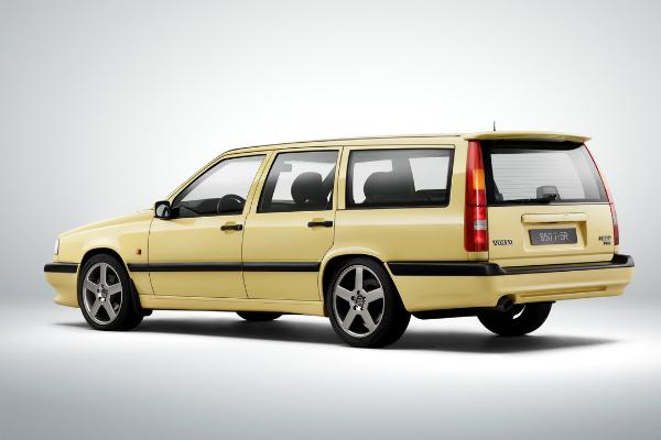 你一定有看過!全球第一款配置車側氣囊的車是...