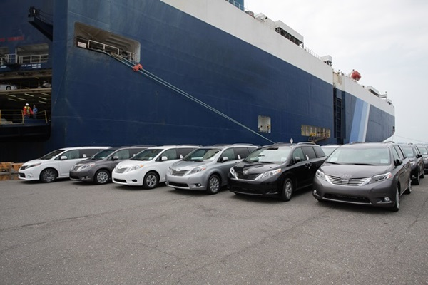 不再給水貨商賺!和泰首波 Toyota Sienna 到港!