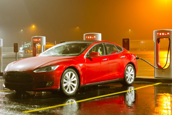 Tesla 的影響力!執行長一句話讓三星蒸發 187 億