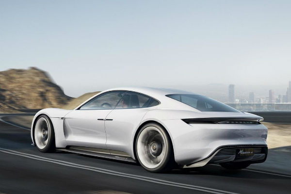 Porsche 立誓扳倒 Tesla! 全靠這項「秘密武器 」