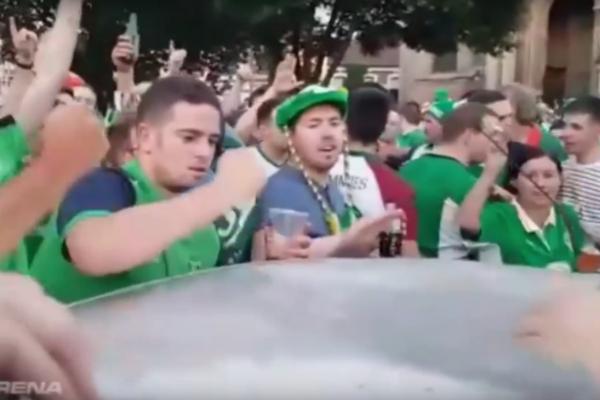 神人在這!愛爾蘭足球迷徒手修復凹陷車頂(有影片)