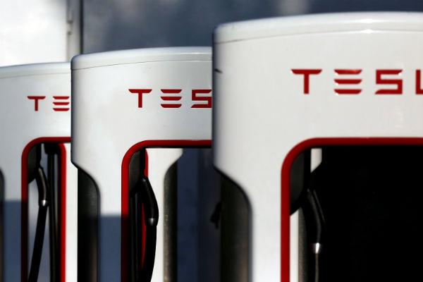 首例死亡車禍重創聲譽!  Tesla 決定這麼做...