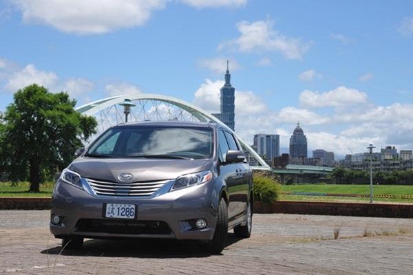 水貨車今天終於變正宮!美規 MPV 銷售霸主 Toyota Sienna 到底有多強?