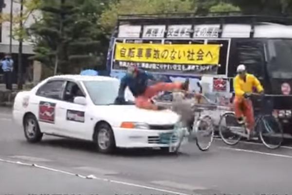 難怪日本人守法! 因為交通宣導都是「來真的」(有影片)