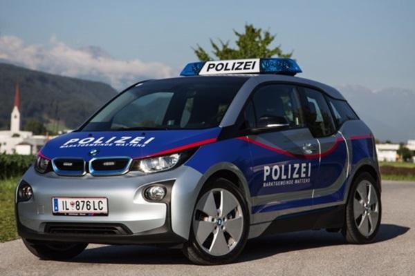 警界最夯車款不是超跑!綠能警車各國都愛