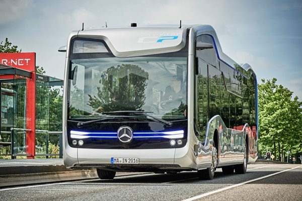 「未來公車」超酷的!M-Benz自駕公車成功上路!(內有影片)