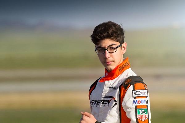 未來的 F1 車手? 13 歲少年開 Bugatti 狂飆時速 300 公里...(有影片)